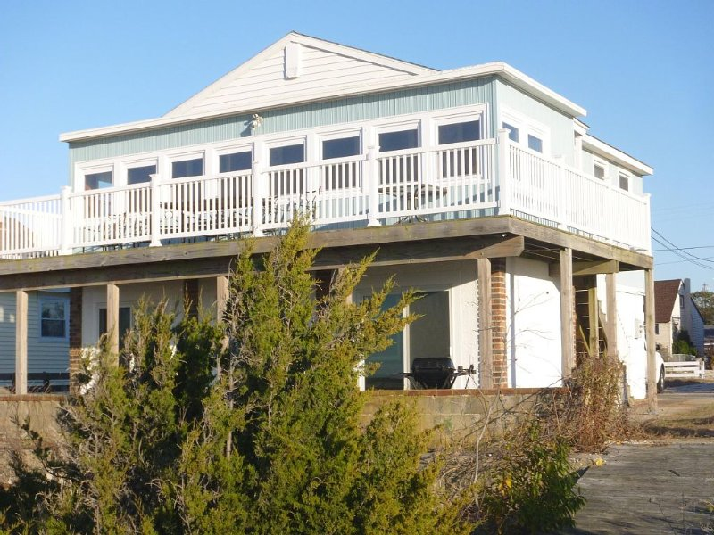 Private Beach Access, Amazing Sunsets, Stargazing,Fishing,Birding,Beachcombing!, holiday rental in Lower Township