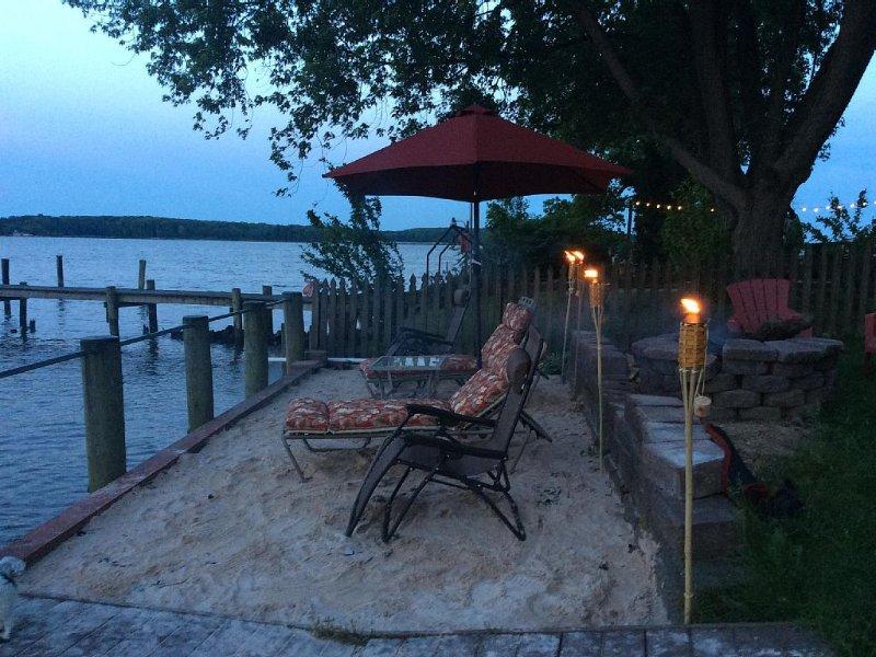 3 Bedroom 3.5 Bath Waterfront Home ., holiday rental in Bel Air