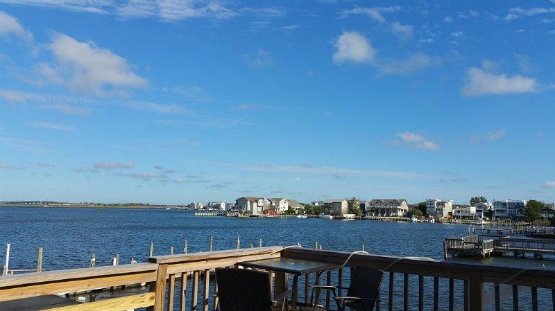 *BAYFRONT CONDO WITH OUTSTANDING VIEWS*, location de vacances à Long Beach Island