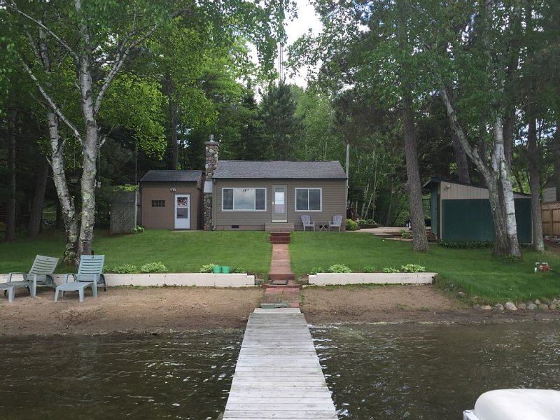 Make lasting memories at our cozy family cabin with all of the amenities!, aluguéis de temporada em Pequot Lakes