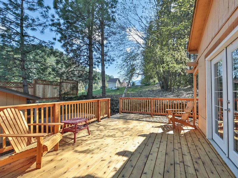 Mountain Home Base Camp~Base Camp for All Your Leavenworth Adventures!, location de vacances à Peshastin