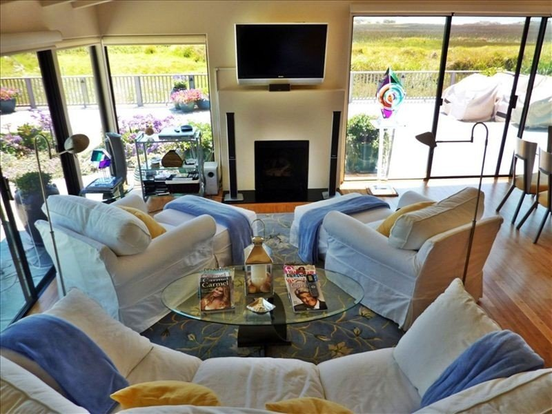 Breathtaking Views, Luxurious Furnishings, Relax in Carmel, holiday rental in Carmel