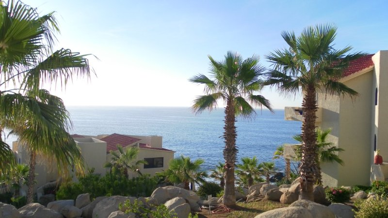 New Owner Special! - 2br/2ba - Oceanview/private Beach, holiday rental in Cabo San Lucas