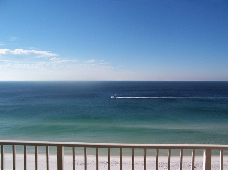 Beautiful Ocean Front View at Majestic Sun in Destin, vacation rental in Miramar Beach