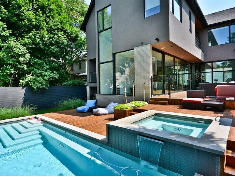 The Beach House in The Prime Beach Neighborhood,The Family Getaway Destination, holiday rental in Toronto