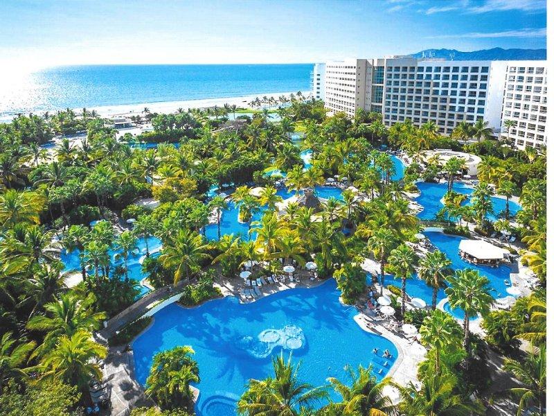 Grand Luxxe Ocean Front 2-bdr Master Villa 8 Free Rounds Golf, holiday rental in Nuevo Vallarta