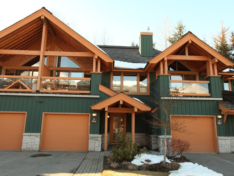 Montebello - Luxury in Whistler Village North. Sleeps 8, vacation rental in Whistler