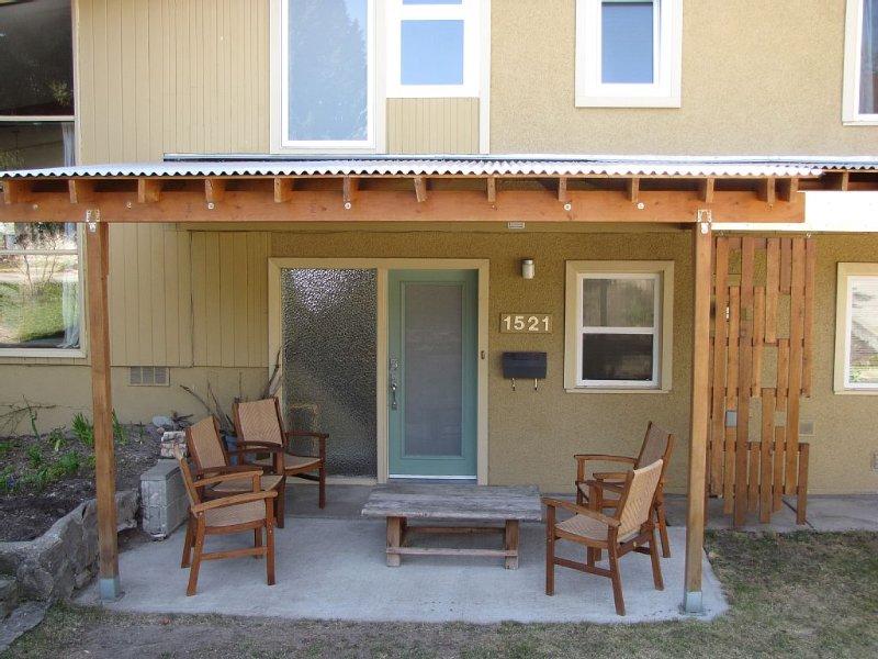 Front Door Sitting Area