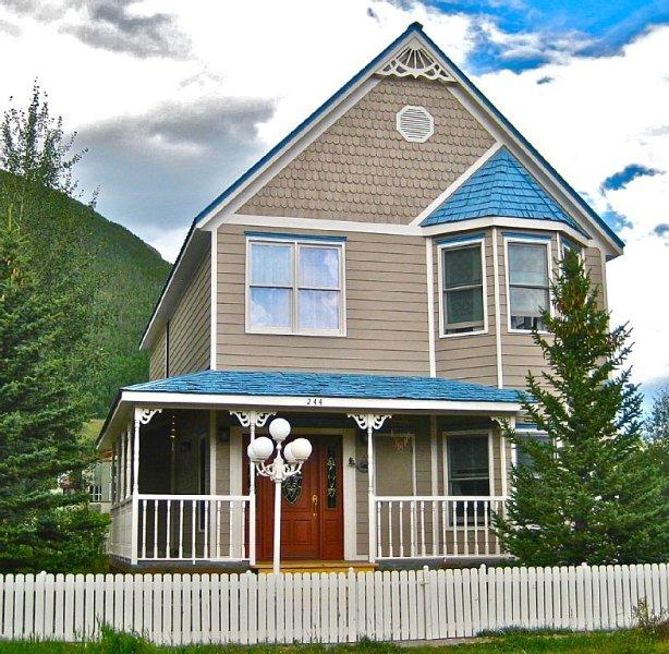 Mountain Getaway in Silverton - Quiet Neighborhood - Walking Distance To Town, vacation rental in Silverton