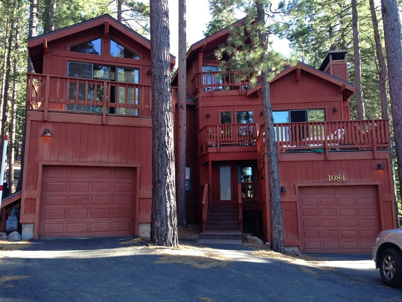 Newly Remodeled Northstar Multi-Family Retreat, vacation rental in Truckee