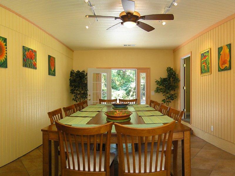 Lake Shasta Pine House Located Lakehead California, alquiler de vacaciones en Trinity Center