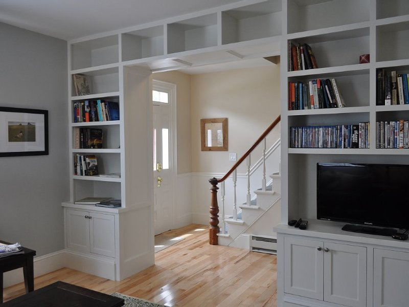Living Room facing entry