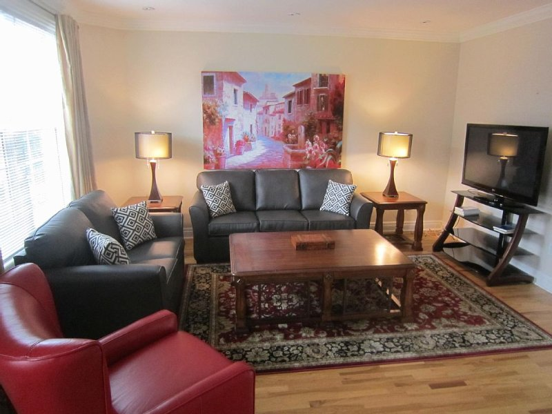 St.John's Fully Furnished Downtown Executive Brownstone On Bottom Of Signal Hill, holiday rental in Pouch Cove