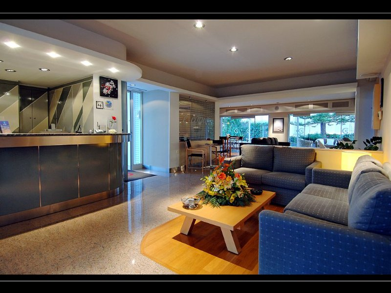 Luxury Apartment in Crete  Greece Europe  with 4 Star Hotel Service, holiday rental in Stalis