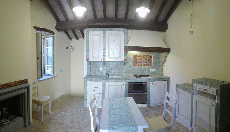 Appartamento sito all'interno della Rocca Baglioni-Pompili del XIV secolo., location de vacances à San Savino