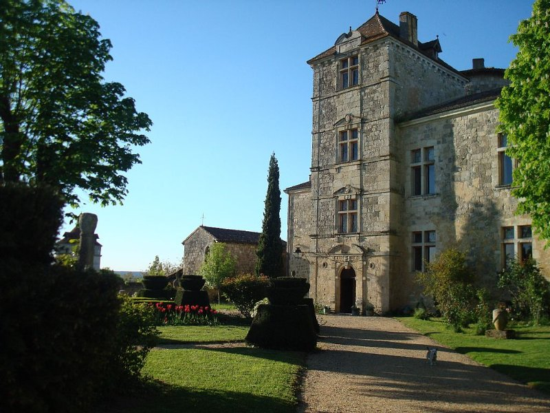 A memorable, romantic experience at the Château du Fréchou and its Gardens, Ferienwohnung in Frechou