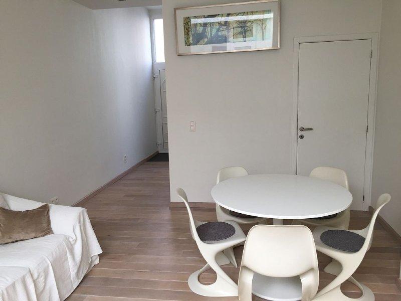 Vakantiewoning: comfortabel en gezellig voor kort en lang verblijf!, vacation rental in Antwerp Province
