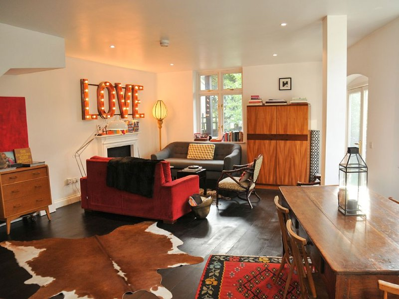 Boutique, stylish large house in central London near golf course, holiday rental in Kew