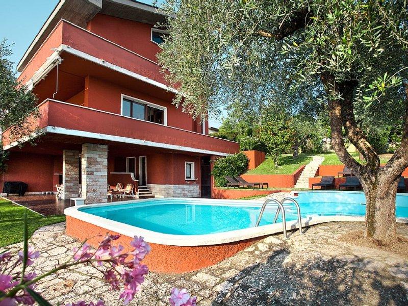 Villa 'SEVENTIES' Lake Garda, holiday rental in Bardolino
