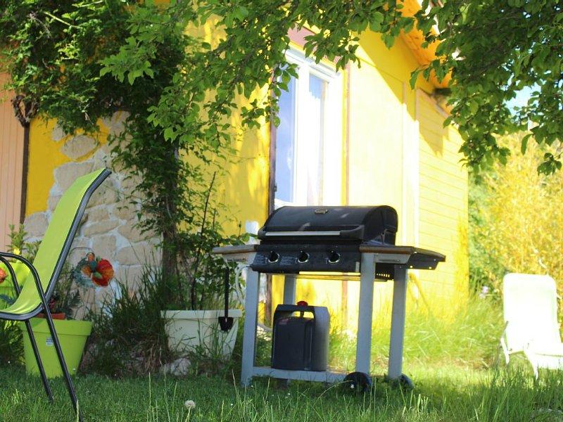 Maison avec grand jardin, location de vacances à Gilette
