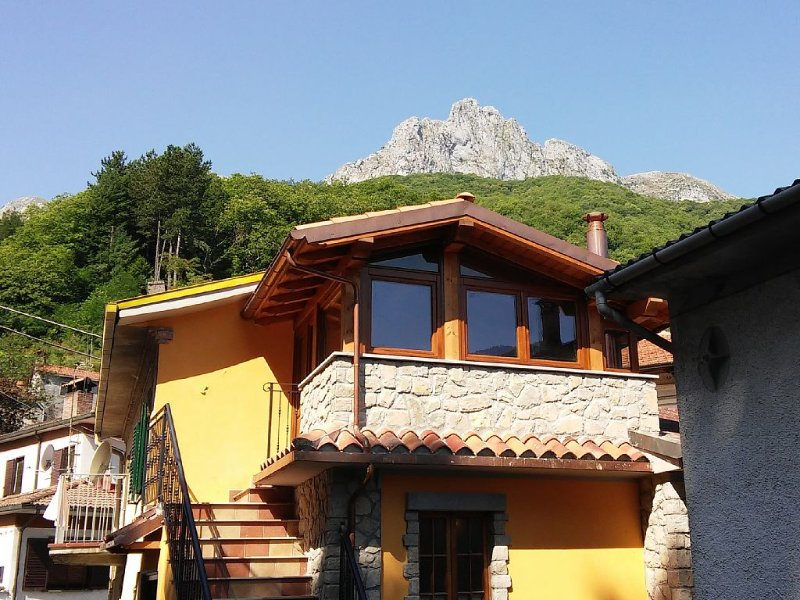 Home in Wild Garfagnana, holiday rental in Careggine
