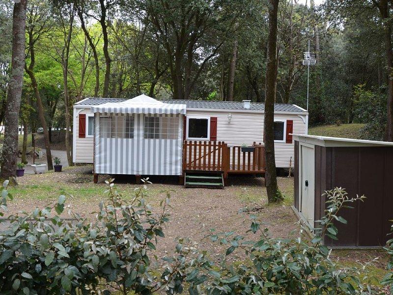 MOBIL HOME 4/6 places 39m2 à 200 m de la plage, dans village vacances SIBLU ****, holiday rental in Saint-Brevin-les-Pins