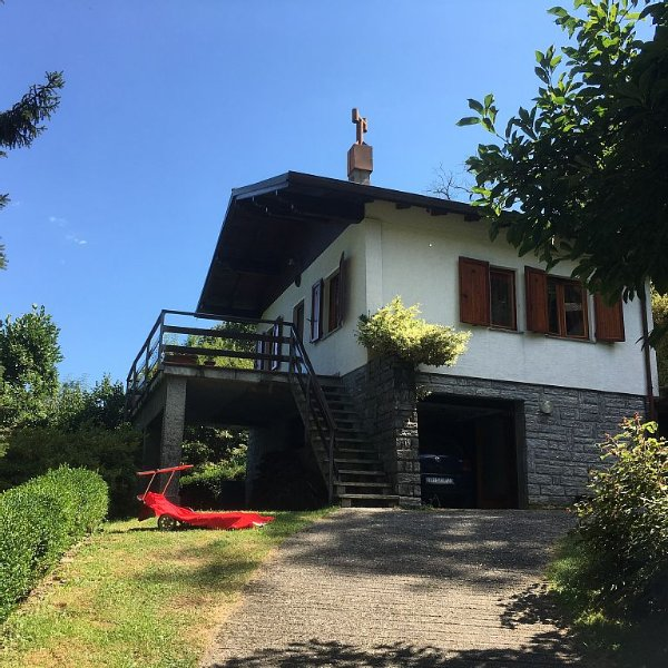 Chalet con terrazza ., vacation rental in Province of Verbano-Cusio-Ossola