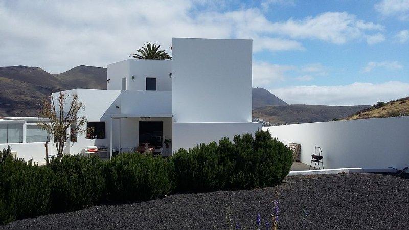 CASA PEPA- CHALET COMPLETO EN EL VALLE DE LAS MIL PALMERAS LANZAROTE, location de vacances à Hembert
