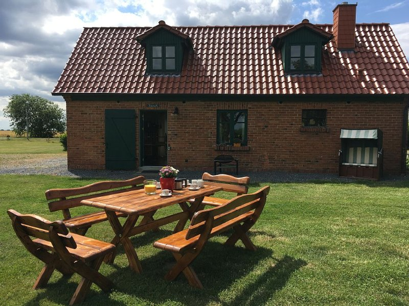 Ferienhaus Kranich -Weite und Ruhe, holiday rental in Lieschow