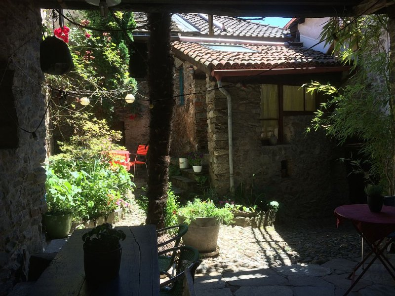 B&B in ursprünglichem  Patrizierhaus, Tessin, Malcantone, bei Lugano, See, Fluss, holiday rental in Arosio