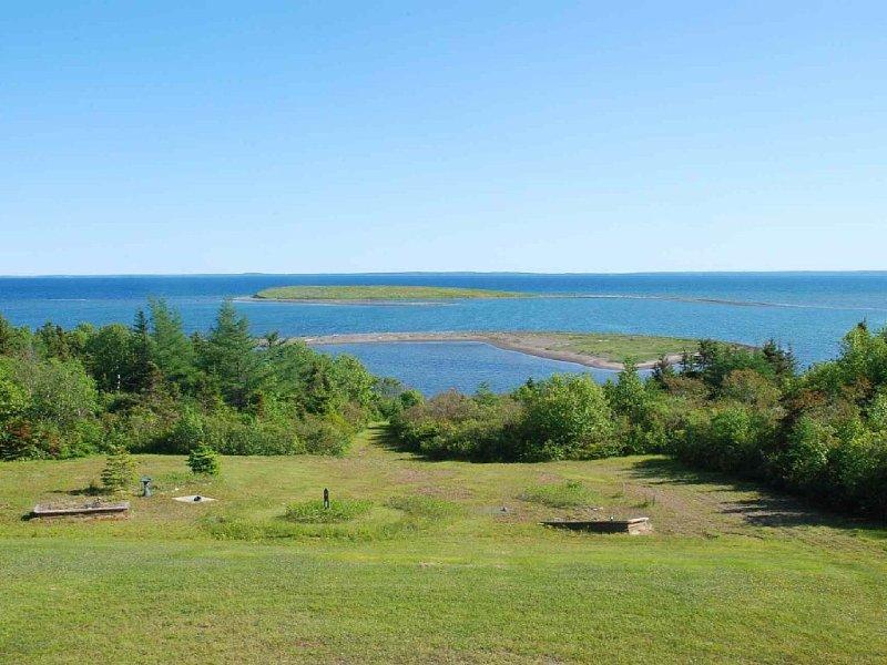 eigene geschützte Bucht am Atlantik mit traumhaftem Ausblick, aluguéis de temporada em Canso
