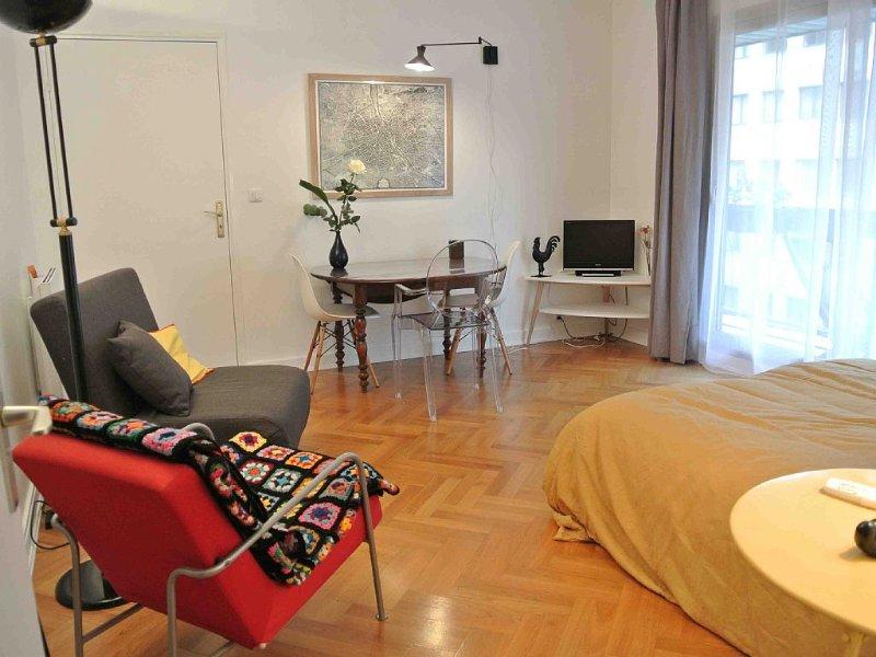 STUDIO TOUT CONFORT 2/3  PERSONNES, holiday rental in Paris