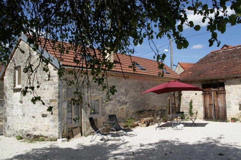 Marcenay Côte d'Or, location cottage 4 personnes près du Lac, holiday rental in Cruzy-le-Chatel