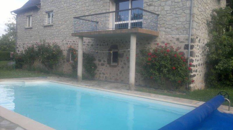 maison avec piscine toute équipée dans le Cantal, alquiler vacacional en Murat
