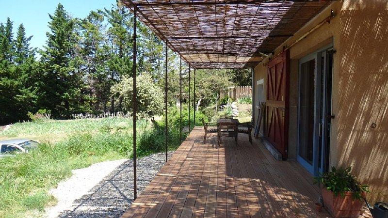 Maison en pleine nature, avec piscine, holiday rental in Rousset-les-Vignes