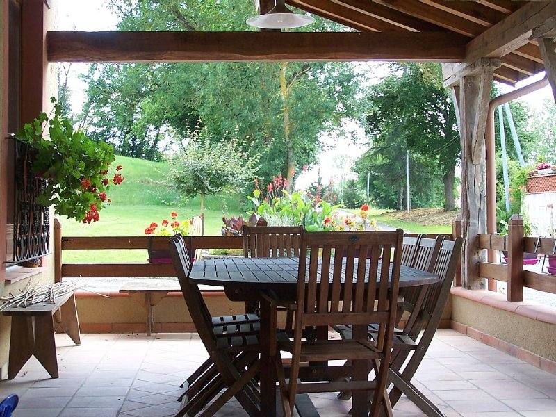 Piscine, chambres familiales, table d'hôtes, holiday rental in Cazaux-Saves