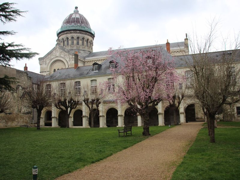 Cloître SAINT MARTIN de Tours, location de vacances à Joué lès Tours