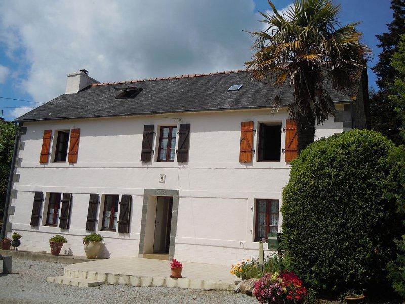 Maison 90m2 dans hameau  à 200 m rivière,  presqu'île de Crozon, holiday rental in Daoulas