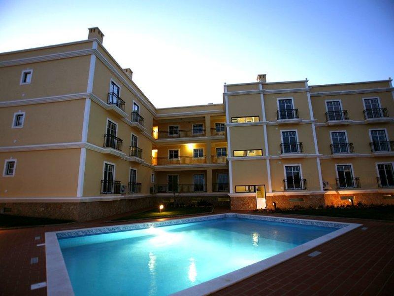 appartement dans résidence avec piscine, location de vacances à Ferragudo