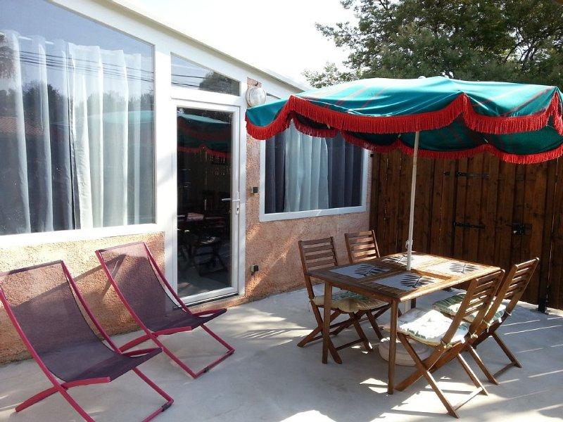 A small house of 38m2 - T2 with private terrace., casa vacanza a La Seyne-sur-Mer
