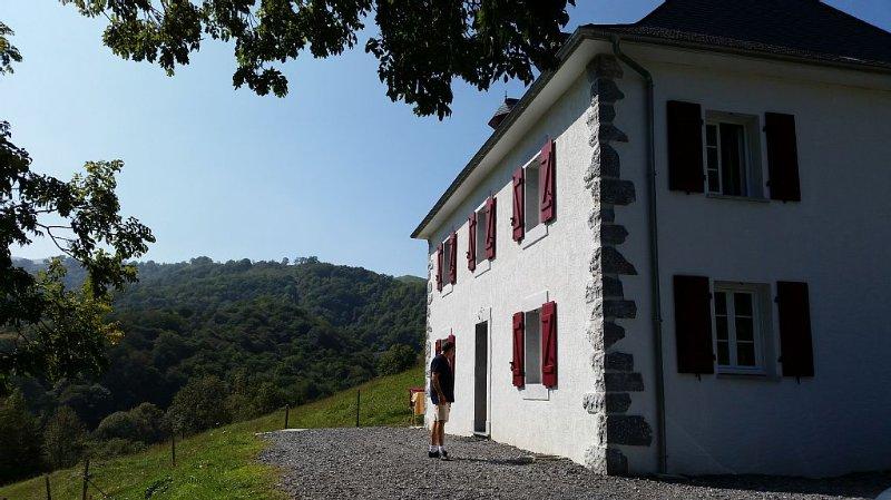 Maison Intracy 4 Etoiles Préfecture, location de vacances à Pyrenees-Atlantiques