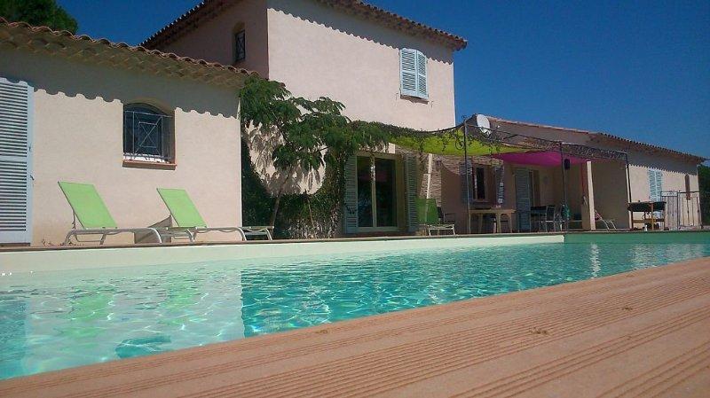 Superb villa pl / south. exceptional views of the Moors, near waterfalls of Ail, location de vacances à Vidauban