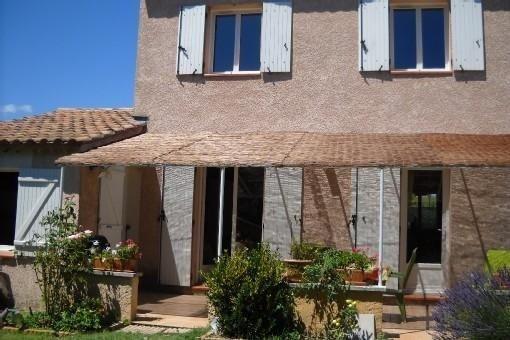 Villa traditionnelle située à 6 kms de St Rémy de Provence et 12 kms d'Avignon, holiday rental in Maillane