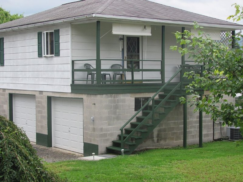Located Between State College & Altoona.  Great For Everything!, holiday rental in Spruce Creek