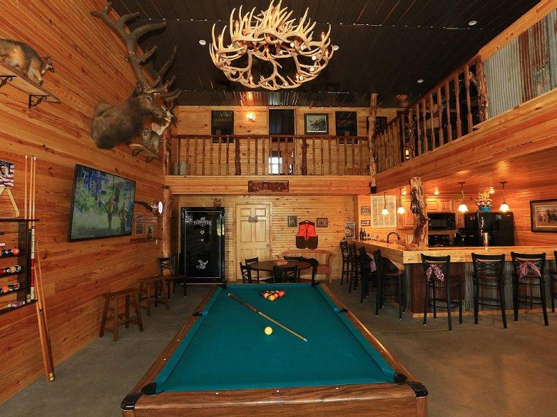 Beautiful Lodge Style Living. Hunting And Fishing Available. Pet Friendly., alquiler vacacional en Kansas
