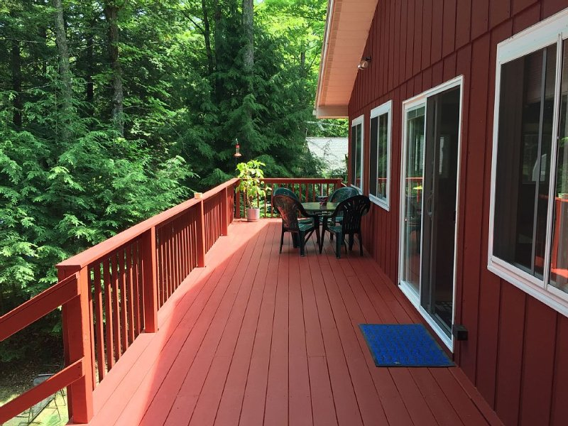 5 STAR Crane Lake Home Pickerel, WI Secluded Waterfront Property W/ Private Pier, vacation rental in Summit Lake