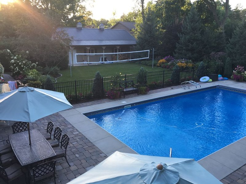 Family Friendly Home With Hot Tub, holiday rental in Victoria