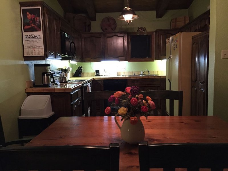 Cozy Condo/Town Home! Great Views!, holiday rental in Angel Fire
