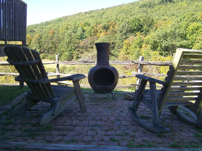 Enjoy country life in a beautiful mountain horse farm setting, holiday rental in Williamsville