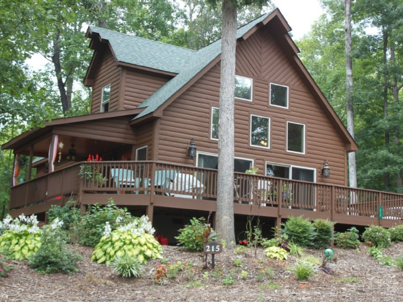 Charming Keowee Lakeview Home - Near Clemson, holiday rental in West Union